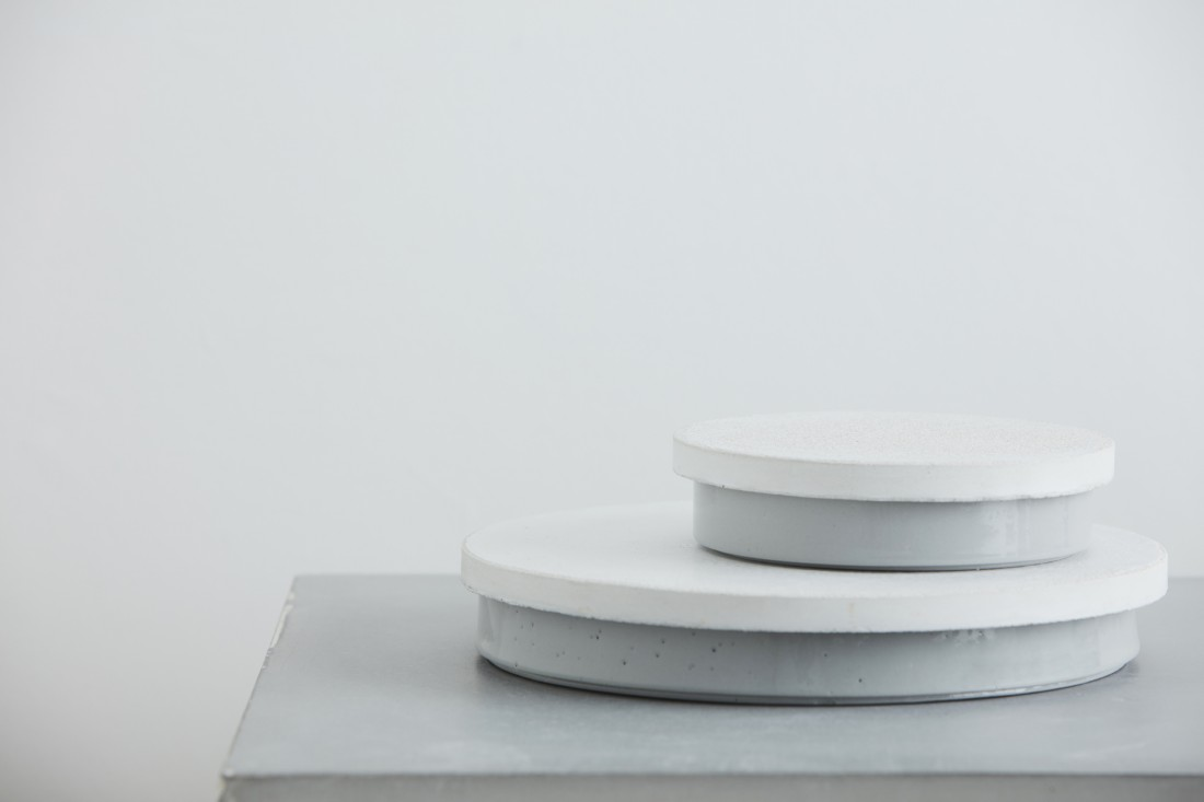 Sept grey bowl with concrete white lid