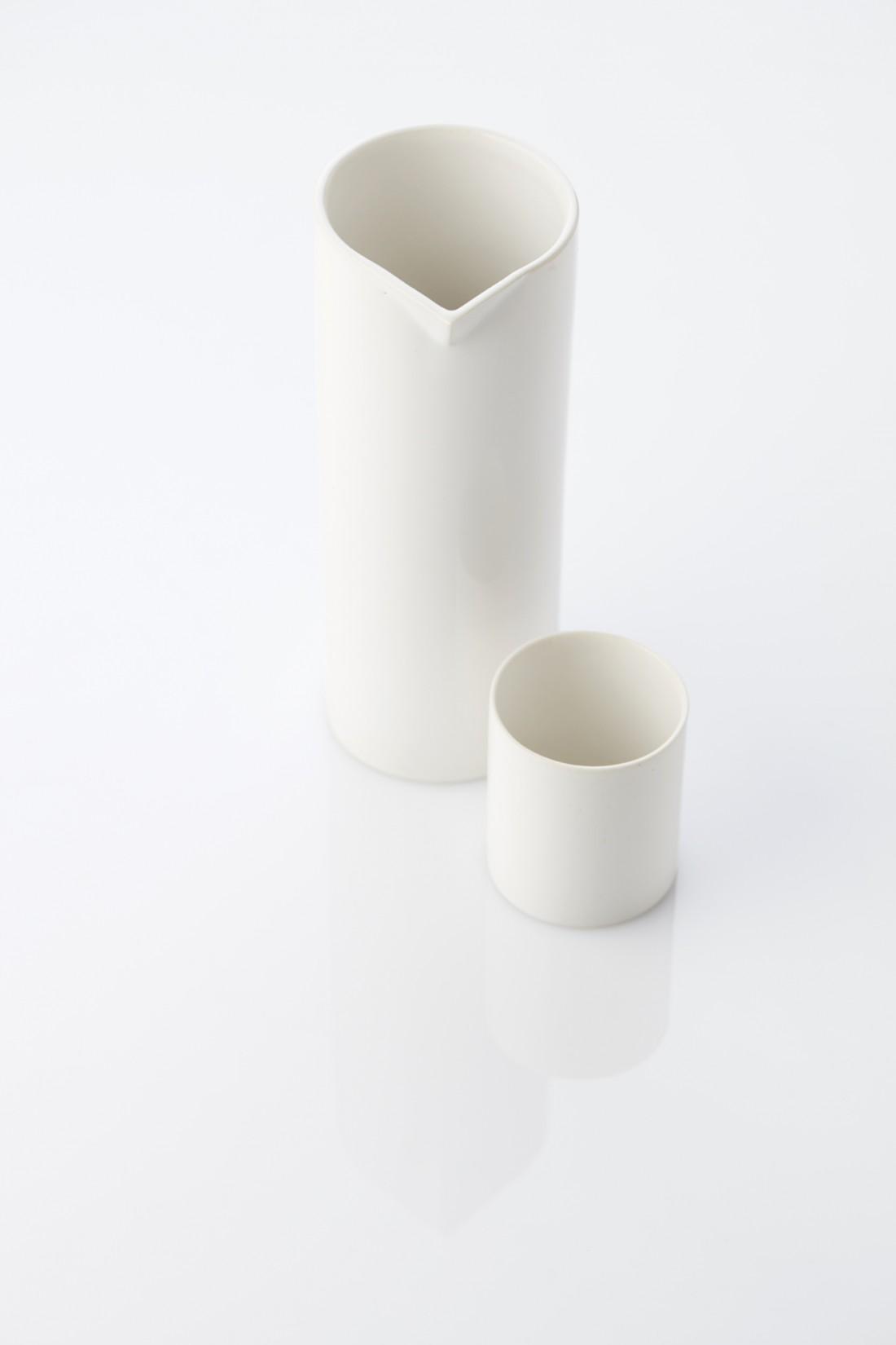 True white - cup & pitcher